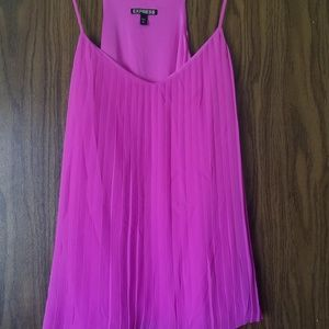 Pleated Express Tank